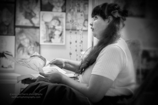 """""""Old Town Caricature Artist"""" [Click the image to enlarge/reduce its size.] Nikon D800, ISO 4000, f/2.8 at 1/80 sec., 85 mm"""