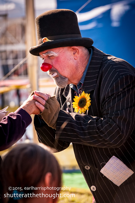 """Give the Clown a Hand"",  Nikon D700, ISO 160, f/5.6 at 1/1250th sec.,180mm"